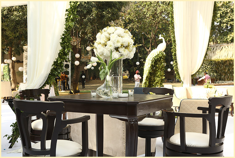 flower decor for wedding venues in summers