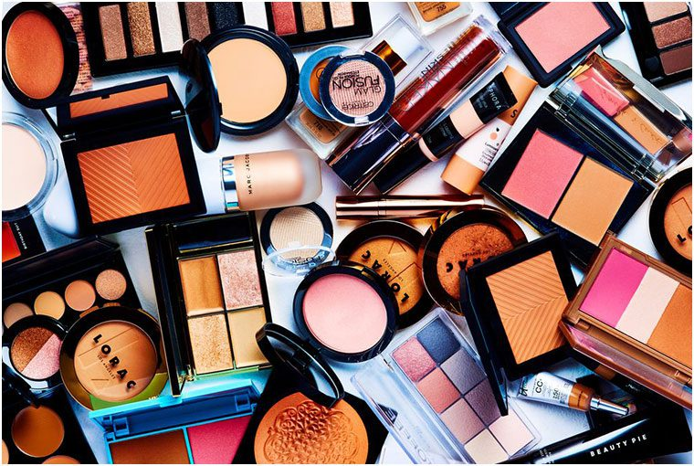 What are the essentials for the makeup trousseau?