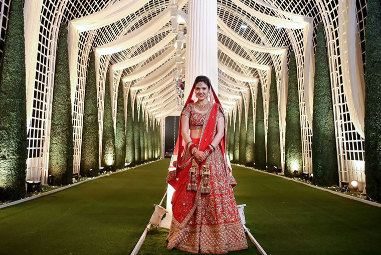 Tips And Tricks To Look Slimmer On Your Wedding Day