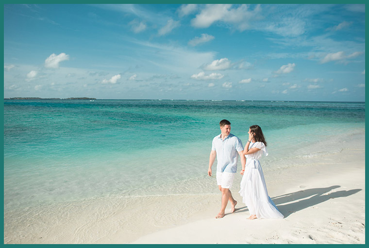 Smart Hacks to Save Money on Your Honeymoon