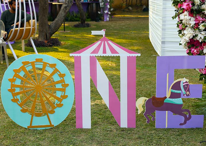 Carousel theme for kids' Birthday Party