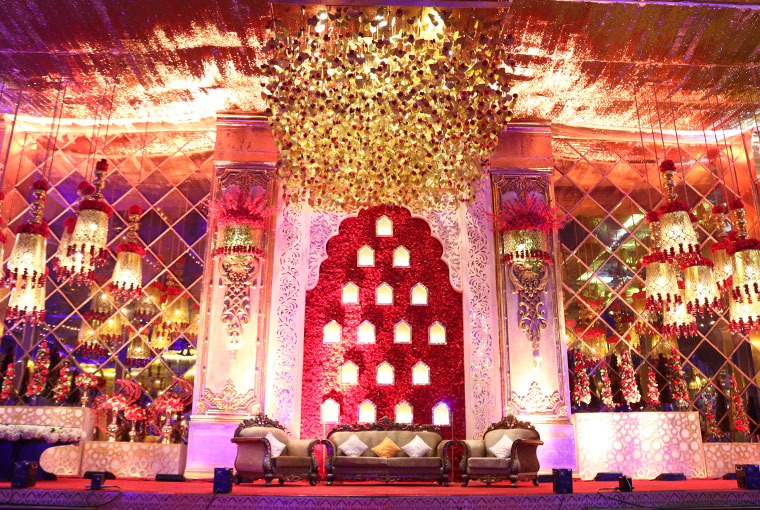 Stunning backdrops for Couple Stages