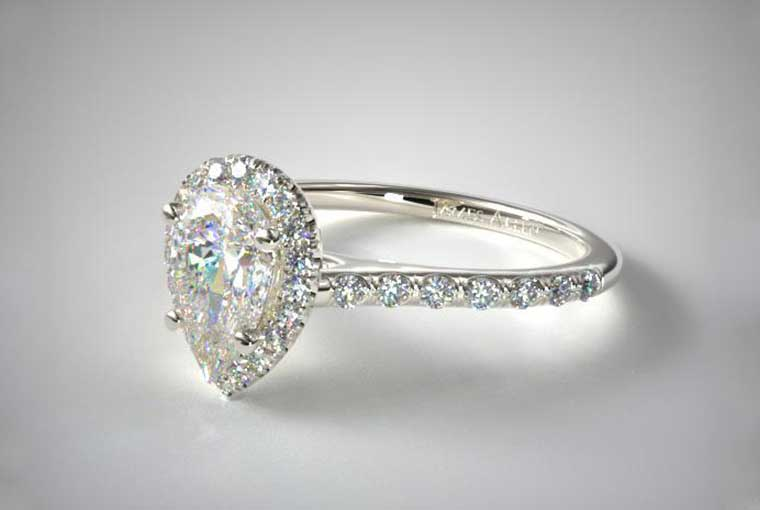 Is it a good idea to buy your engagement ring online?