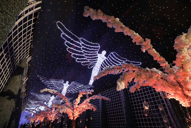 dreamy passage with angels for the Winter Wonderland themed decor