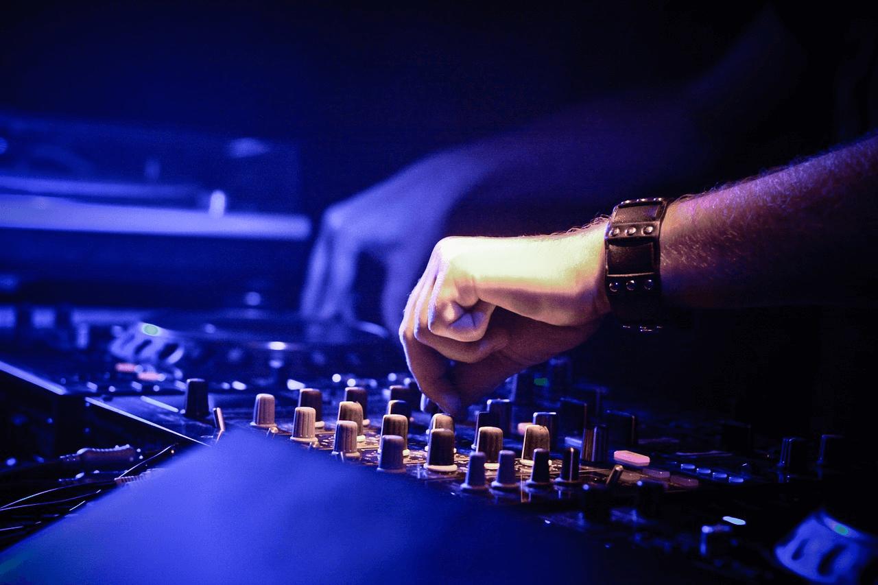 Best DJ Services in Gurgaon-5 (1)