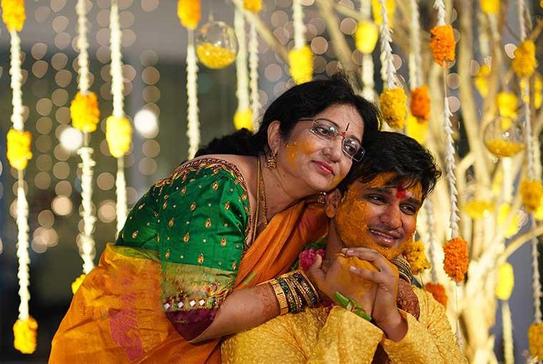 elugu Actor Nikhil Siddharth gets hitched to Pallavi Varma amidst lockdown