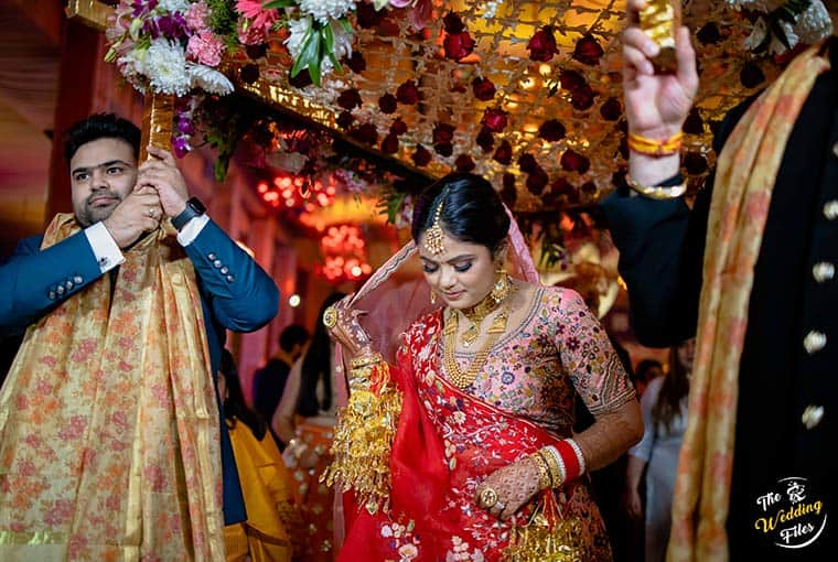 What are the challenges faced while planning a wedding?