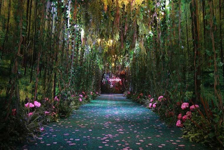 Green themed décor