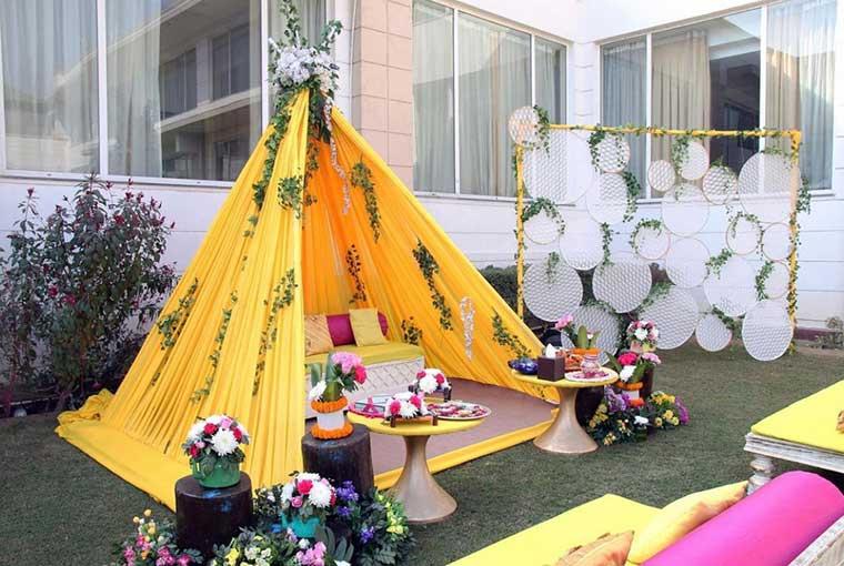 Yellow themed décor